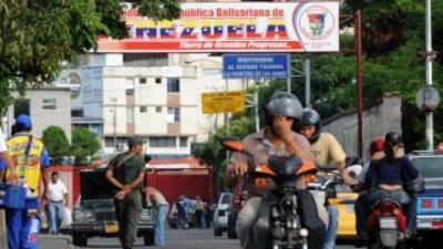Ex ombudsman argentino criticó a intermediarios comerciales con Venezuela.