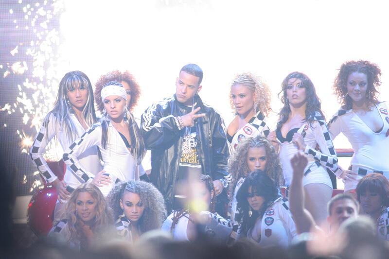 El reggaetón gana terreno y Daddy Yankee hace la mejor presentación de l...