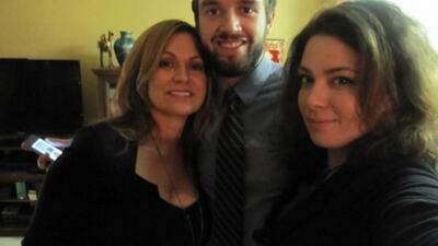 Cecilia te presenta a sus hijos Andres de 26 años y daniella de 22 años.