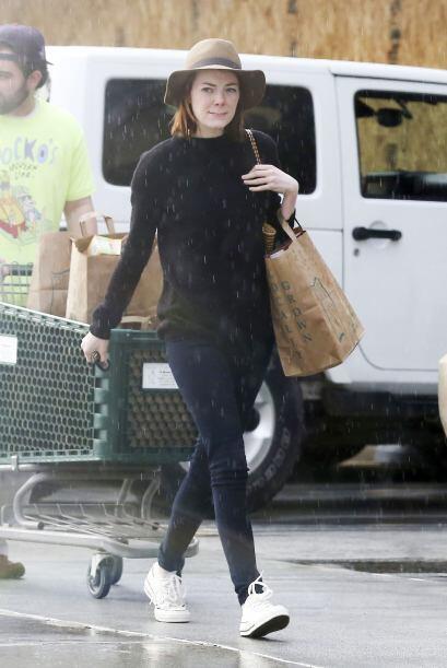 No estamos seguros si era por el mal clima, pero a Emma Stone le hemos v...