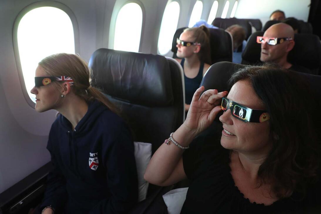 No solo desde la tierra se pudo ver #ElGranEclipse, también desde las al...