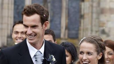 El tenista británico uso la cla´sica vestimenta escocesa.