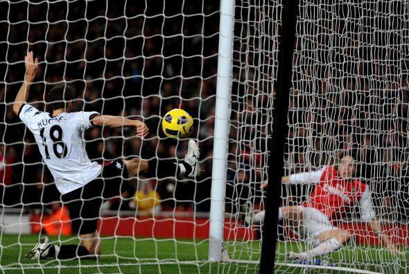 El heroe de la fecha fue Samir Nasri, autor de los dos tantos del Arsenal.