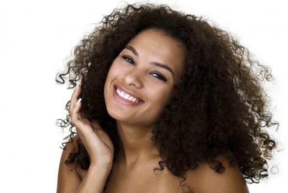 El cabello rizado tiene la reputación de ser el más difícil de cuidar y...