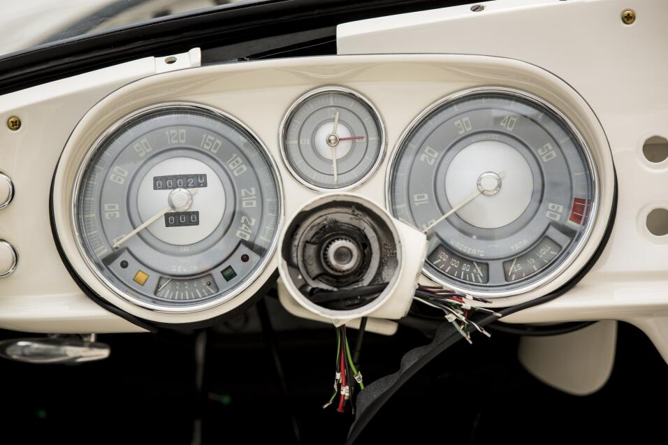 El día que Elvis compró un BMW P90229701_highRes_elvis-bmw-507-08-201.jpg