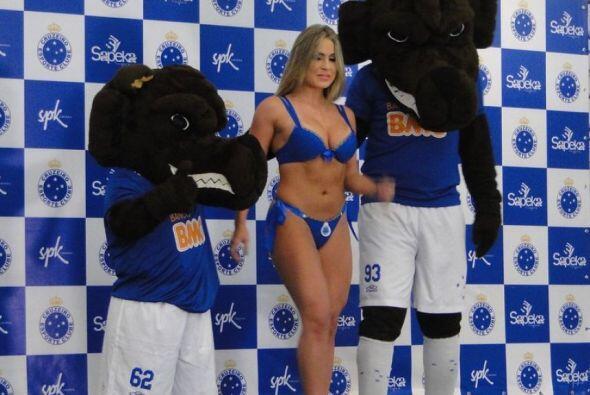 El equipo brasileño que es líder en el Brasileirao, sacó a la venta ropa...