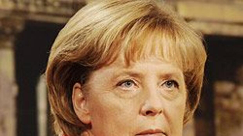Canciller Merkel advierte serios peligros si Alemania se retira de Afgan...
