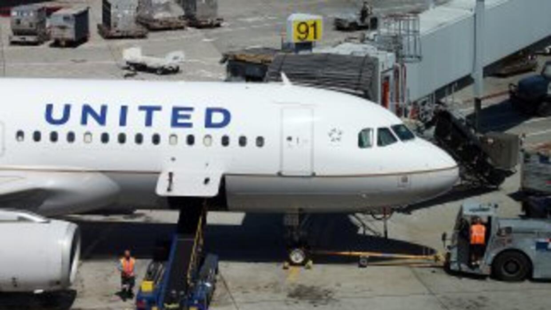 Un avión de la compañía United Airlines, con 173 pasajeros, realizó un a...