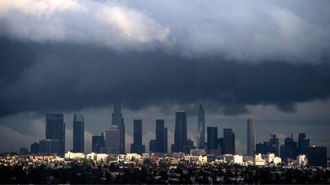 Una tormenta invernal sobre Los Ángeles.