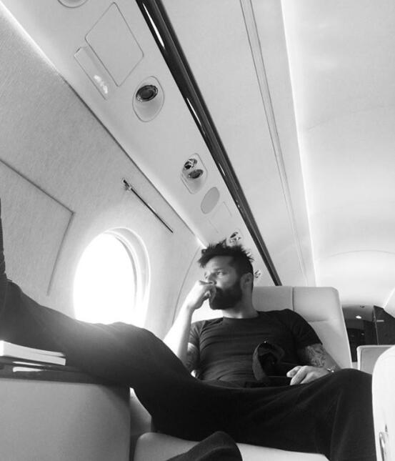 Ricky Martin avión