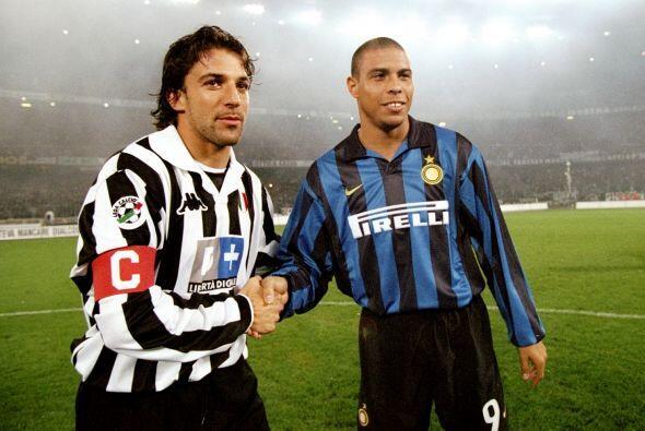 Por supuesto enfrentó en más de una ocasión a Ronaldo, el astro brasileñ...