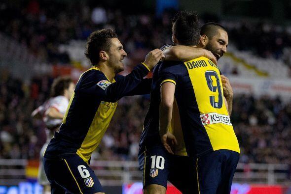 Tras su victoria sobre el Málaga (16º), el Barcelona tiene 54 puntos, lo...