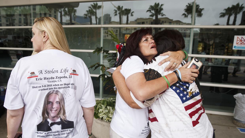 Madres de The Remembrance Project en un evento de Trump en San Diego en...