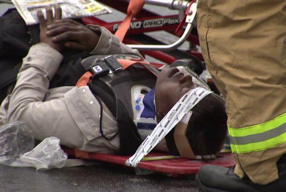 Diecisiete personas resultaron heridas al derrumbarse el martes la facha...