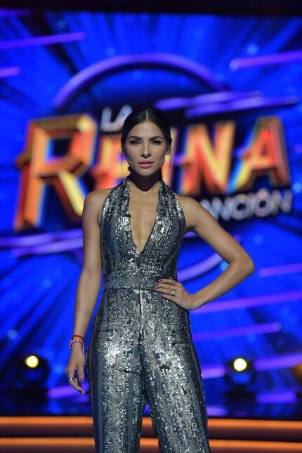 Los looks de Alejandra Espinoza en los shows en vivo de La Reina de la C...
