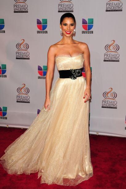 Roselyn Sánchez estuvo a la altura para desfilar en el evento de Univision.