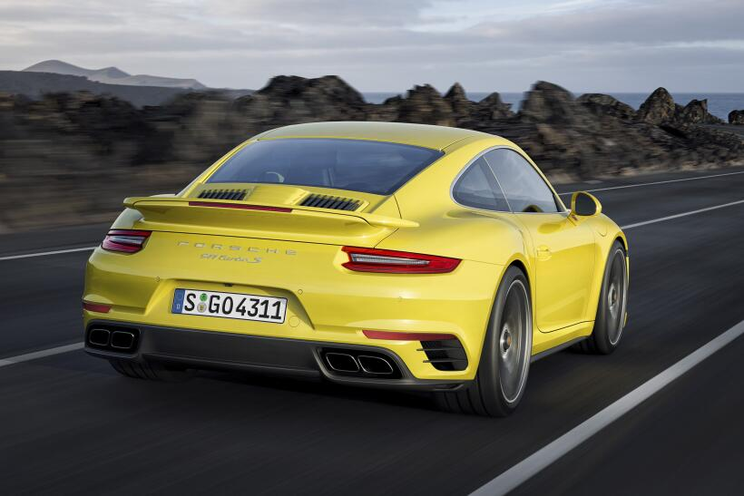 Los Porsche 911 Turbo y Turbo S esperan por Detroit P15_1254_a5_rgb.jpg