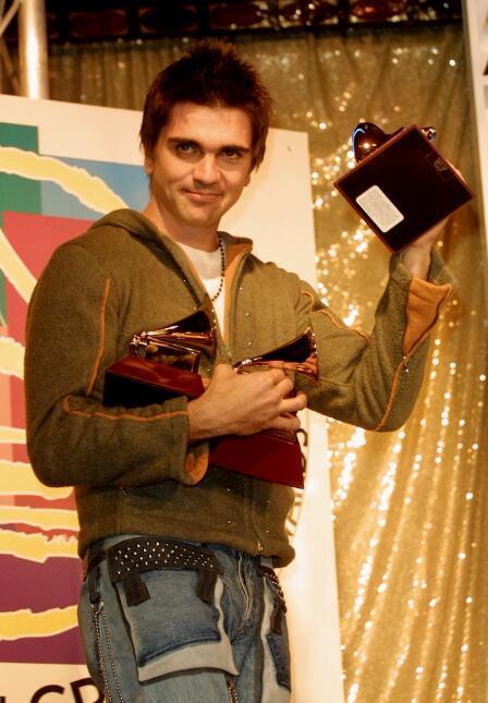 En la primera entrega del Latin GRAMMY, en el año 2000, Juanes se llevó...