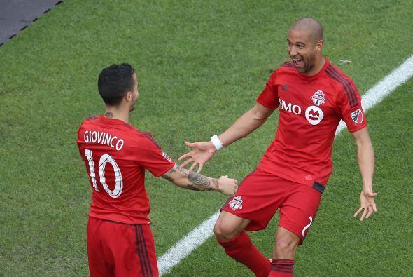DEF - JUSTIN MORROW (Toronto FC) | Como lateral derecho demostró el sába...