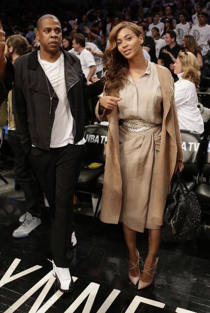 Entre el escándalo de que Solange golpeó a Jay-Z, el rapero y Beyoncé só...