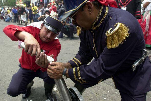 A pesar de que no es un día de asueto en su país, muchos mexicanos han t...
