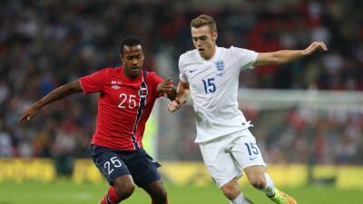 Ola Kamara jugando con la selección de Noruega