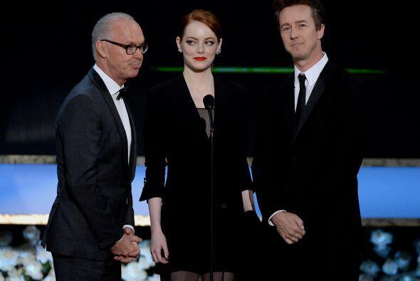 Los talentosos actores de 'Birdman', Michael Keaton, Emma Stone y Edward...
