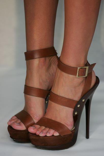 ¡Las sandalias con plataforma son un absoluto y versátil 'must' primaver...