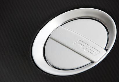 La tapa de gasolina lleva un diseño similar al de los autos F1. El consu...