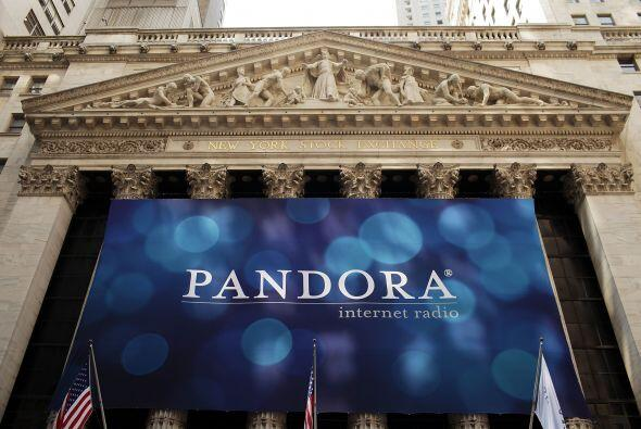 La compañía de radio por Internet Pandora Media Inc. debutó este miércol...