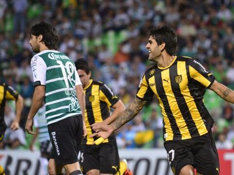 Javier Toledo sorprendió a los mexicanos con su gol al primer min...