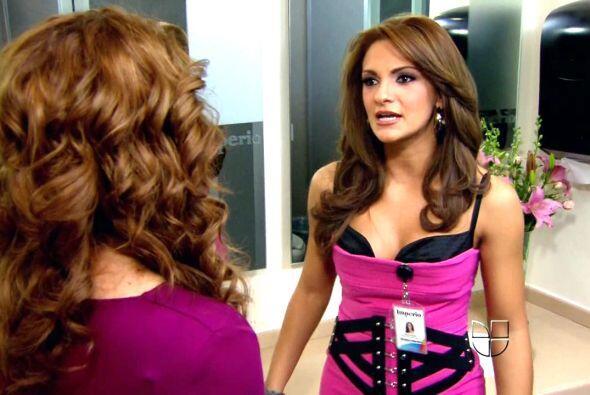 """""""Rebeca"""" sabía que esas curvas le daban muchas ventajas."""