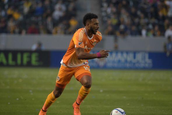 GILES BARNES (JAM)   Nacido en Londrés, el delantero de Houston Dynamo r...