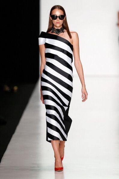 ¡Un elegante vestido playero es indispensable en estas fechas! Sabemos q...