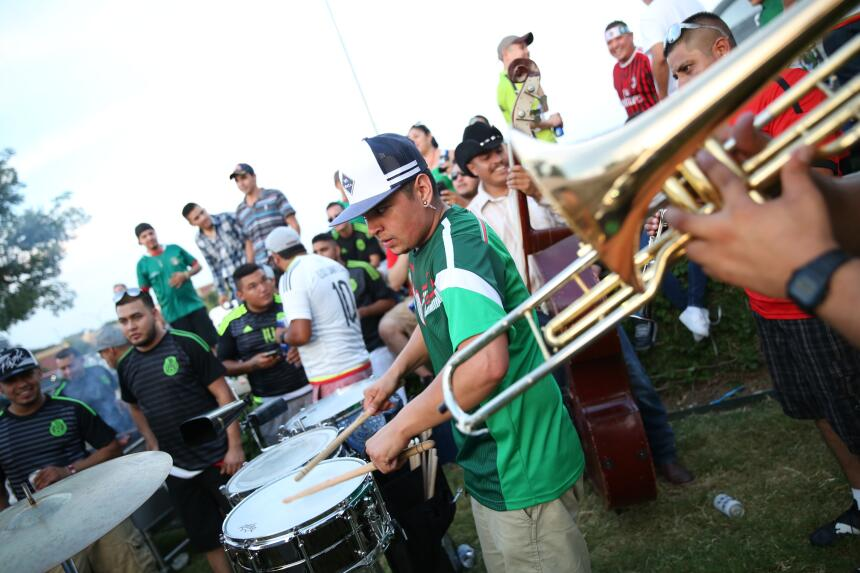 Fans Mexico vs Argentina Texas