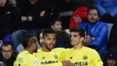 Giovani dos Santos anotó el tercer gol del Villarreal.