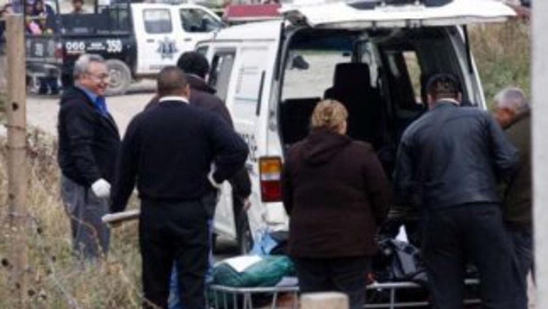 Seis niños y una mujer fueron hallados muertos mientras que el padre de...