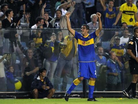 Boca Juniors ganó a Estudiantes 2-1 en su estadio La Bombonera en...