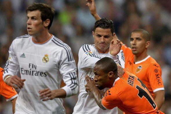 Corrían los minutos y el Madrid estaba desesperado ante los problemas pa...