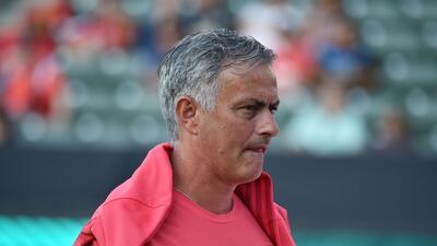 Mourinho pelea por refuerzos tras inversión del Manchester United por 500 millones de euros