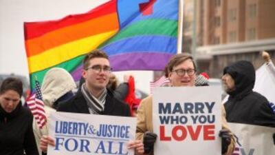 Las parejas homosexuales de Estados Unidos pueden casarse en 17 estados...
