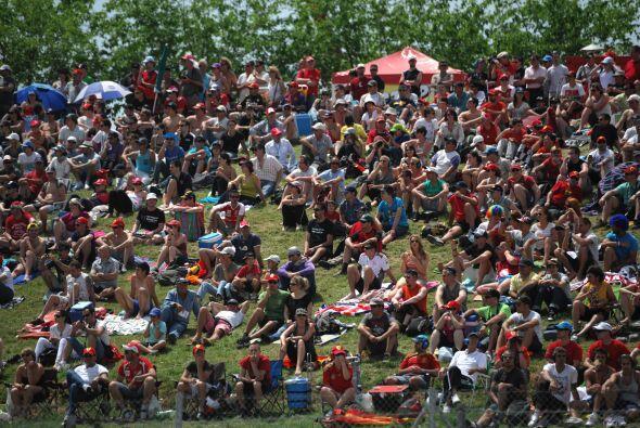 El Gran Premio de España logró reunir a un gran número de fanáticos en e...