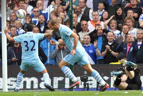El lateral del Manchester City fue el encargado de abrir el marcador en...