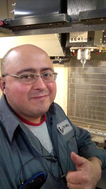 Radioescuchas de El Show de Raul Brindis enviaron fotos en su trabajo.