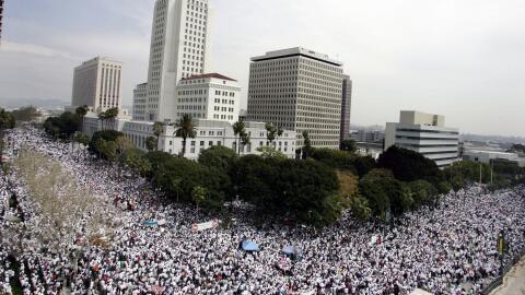 Más de medio millón de latinos marchó en las calles...