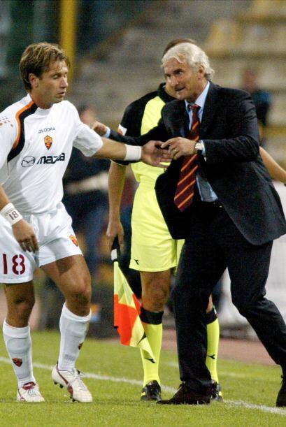 Pero los técnicos fueron rotando en el banquillo del club y Cassano tení...