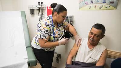 57% de los adultos hispanos sienten que el idioma limita su acceso a la atención médica