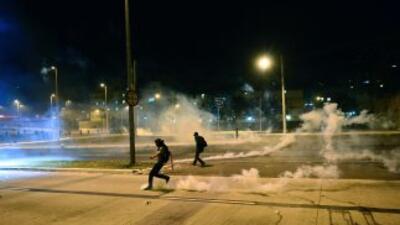 Saqueos, incendios y choques con la policía marcaron el final de una mas...