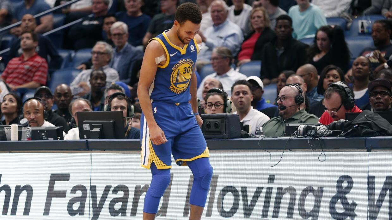 Curry está promediando 26.3 puntos, 6.6 asistencias y 5.1 rebotes esta t...