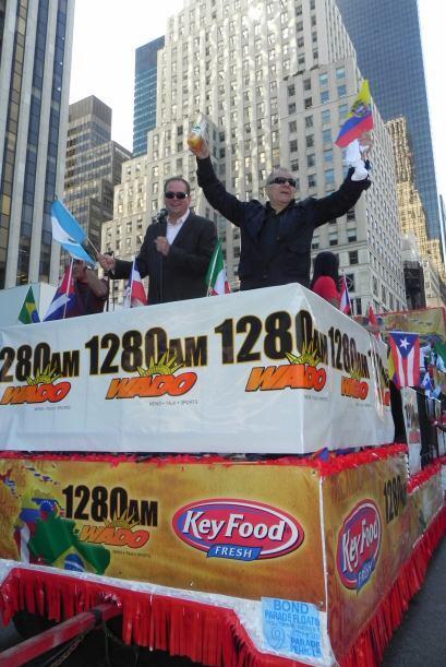 WADO 1280 en el desfile de la Hispanidad 220783c42ba944f9926498e261a6073...